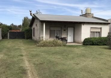 Buena casa con gran lote en Coronel Suarez
